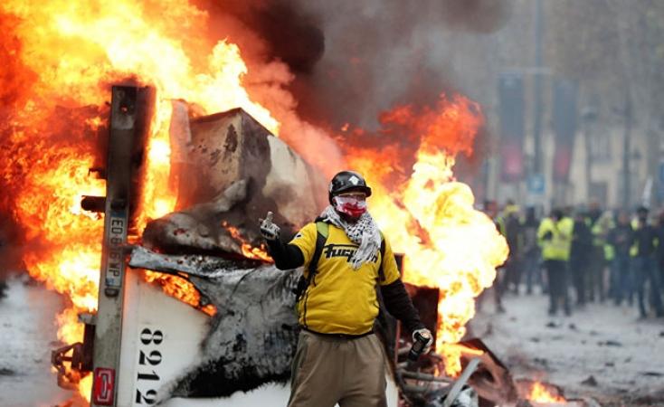 Fransada polis sendikasından Sarı Yeleklilere destek