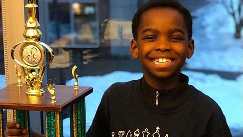 8 yaşındaki evsiz mülteci çocuk satranç şampiyonu oldu