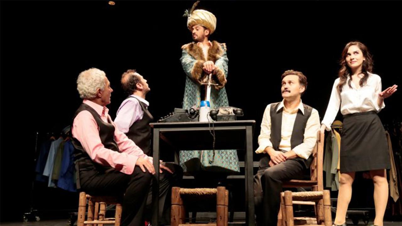 Metin Akpınar ve Müjdat Gezene destek verdiler diye tiyatro oyununu iptal ettiler!